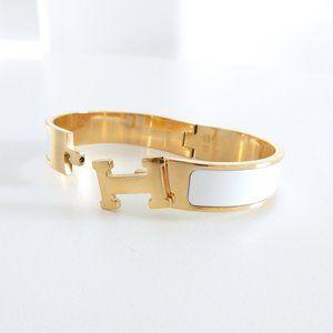 Boutique 'H' Pendant Bangle Clic Clac Bracelet